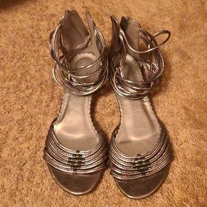 SALE - 💜3/$15 - Sandals